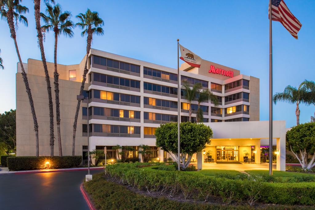 Fullerton Marriott at California State University, one of the hotels near Cal State Fullerton.