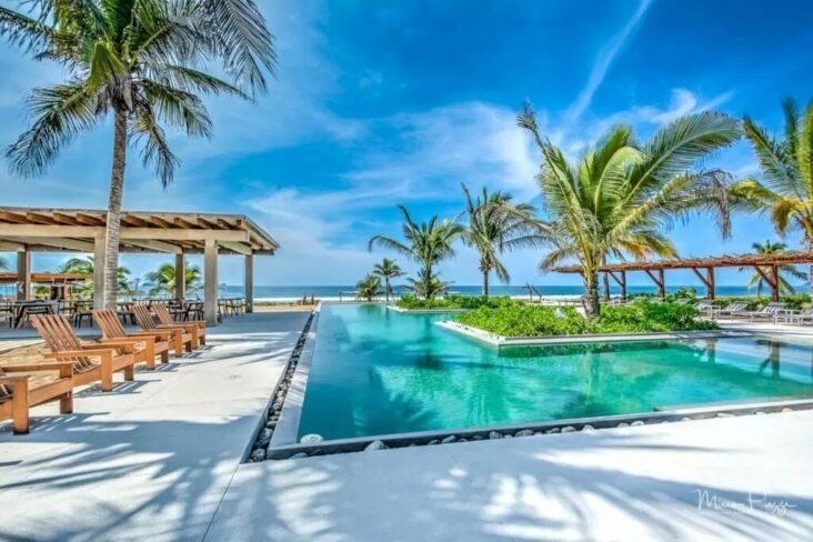 The Marea Beachfront Villas, one of the hotels near Ixtapa Airport.