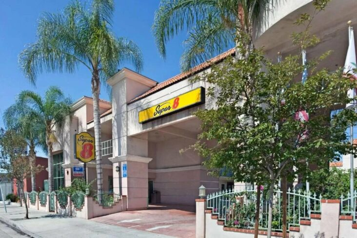 The Super 8 by Wyndham North Hollywood, one of the hotels in North Hollywood, CA.