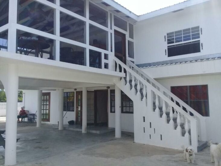 The Bamboleo Inn Belize, one of the hotels near Belize City Airport.