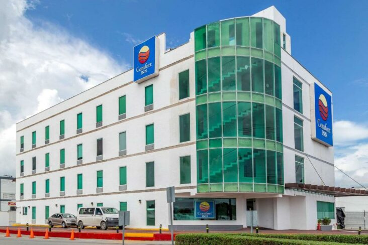 The Comfort Inn Cancun Aeropuerto, one of the hotels near Cancun Airport.