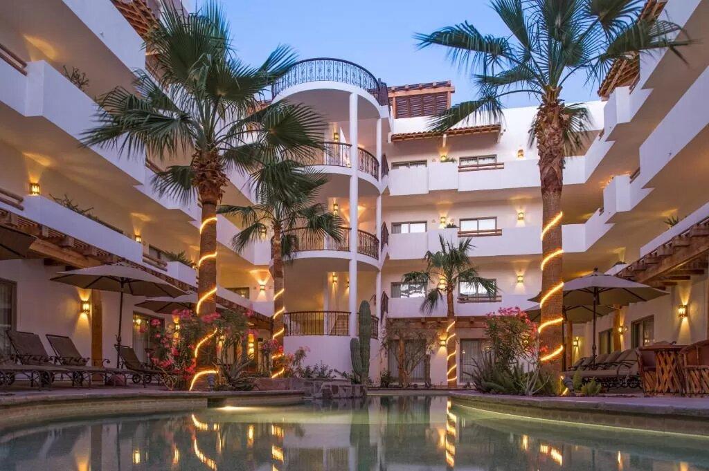 The Hotel Santa Fe Loreto, one of the hotels near Loreto Airport.