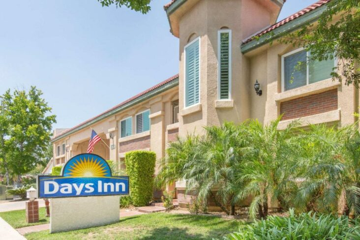The Days Inn by Wyndham Near City of Hope, the only hotel in Duarte, CA.