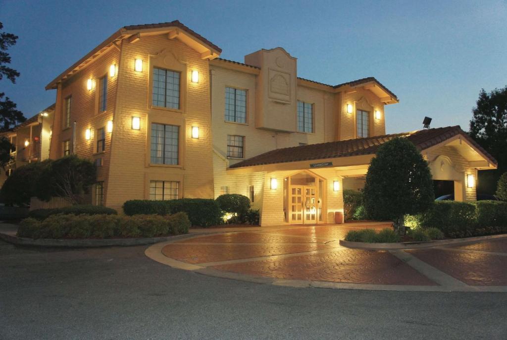 The La Quinta Inn by Wyndham Augusta, one of numerous hotels in Augusta, GA-