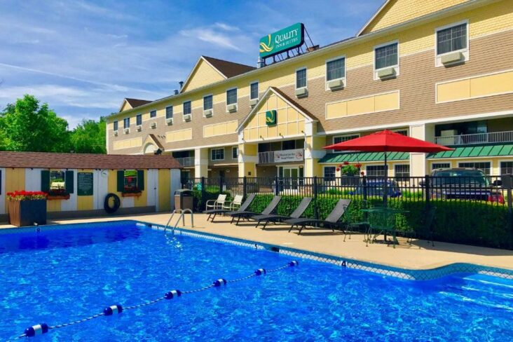 The Quality Inn & Suites Evergreen Hotel, one of a number of hotels in Augusta, Maine.