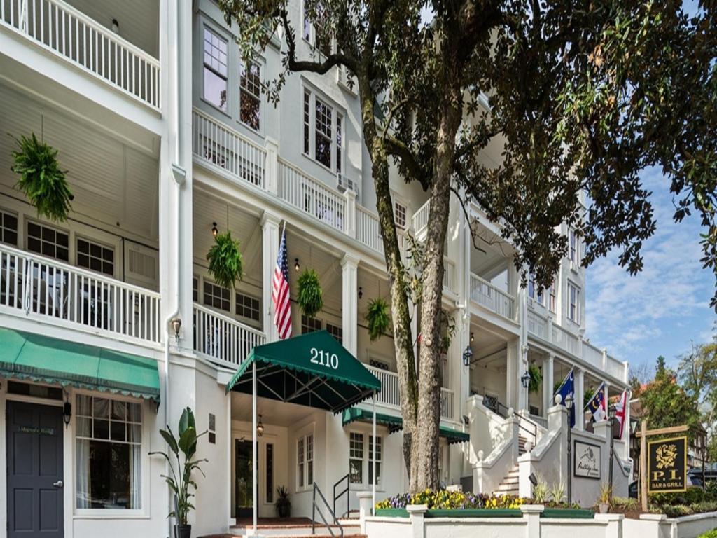 The Partridge Inn Augusta, one of the hotels near Augusta University.