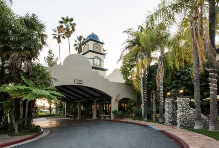 The Vanllee Hotel, which is the only hotel in Covina, CA.