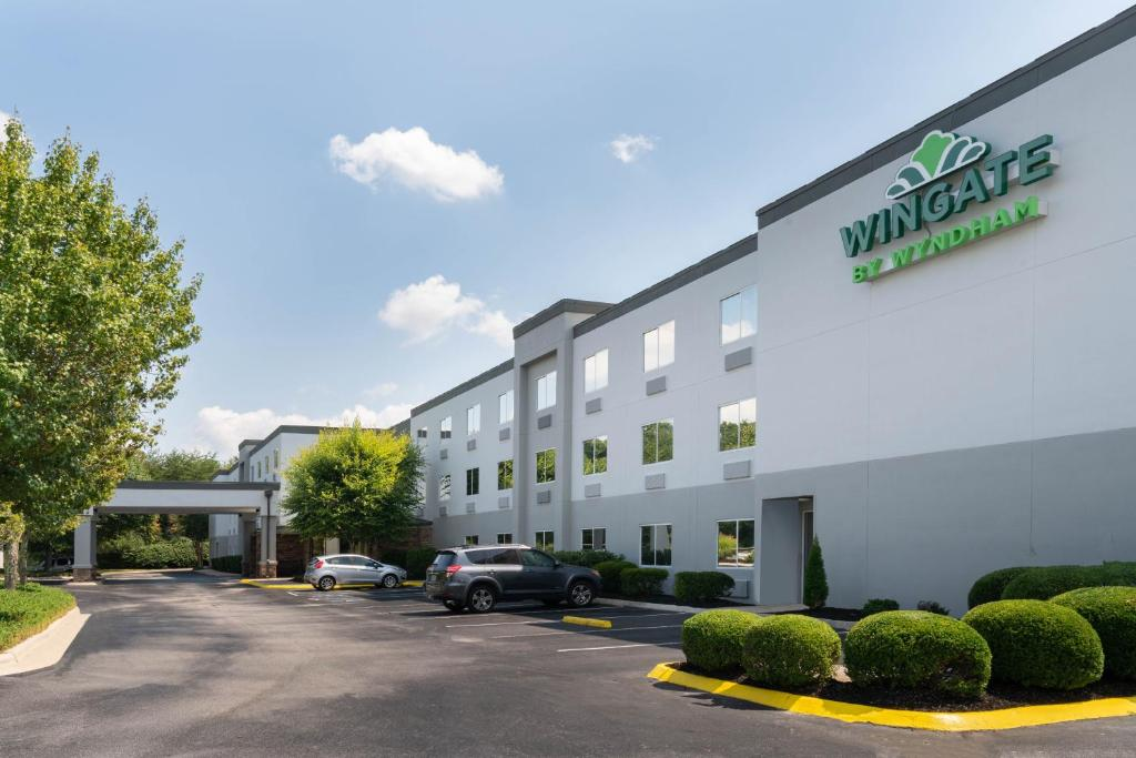 The Wingate by Wyndham Fletcher at Asheville Airport, one of the hotels near Asheville Airport.