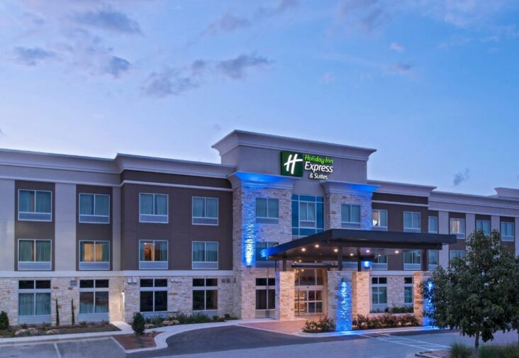 The Holiday Inn Express & Suites Austin NW - Four Points, one of the hotels near Concordia University Texas in Austin.