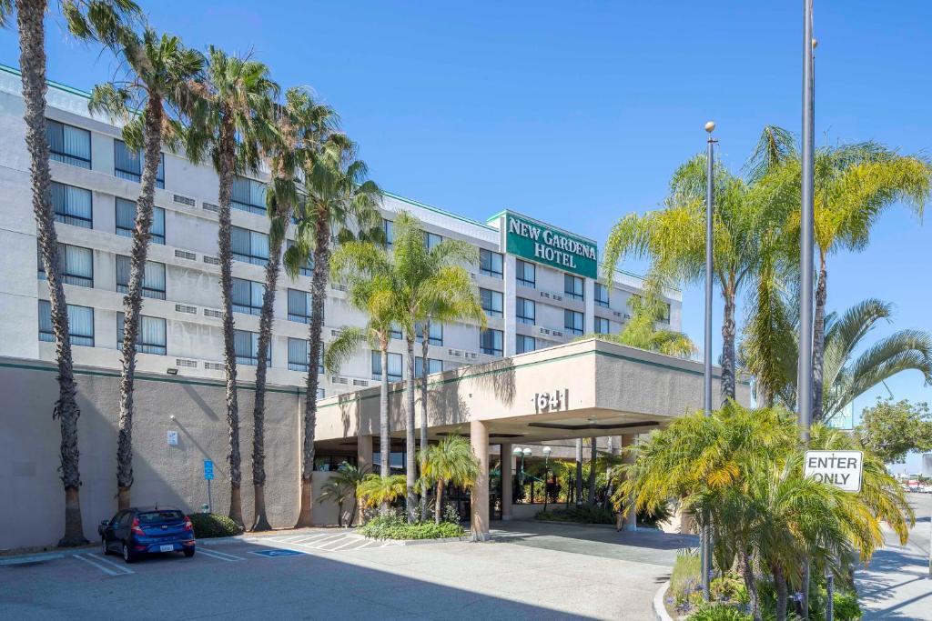 The New Gardena Hotel, one of numerous hotels in Gardena, CA.