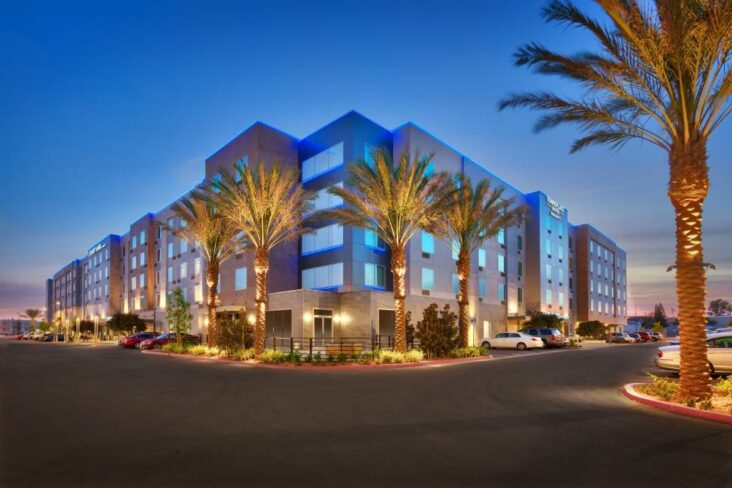 The TownePlace Suites by Marriott Los Angeles LAX Hawthorne, one of the hotels in Hawthorne, CA.