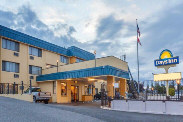 The Days Inn by Wyndham Bellingham WA, one of the hotels near Western Washington University.