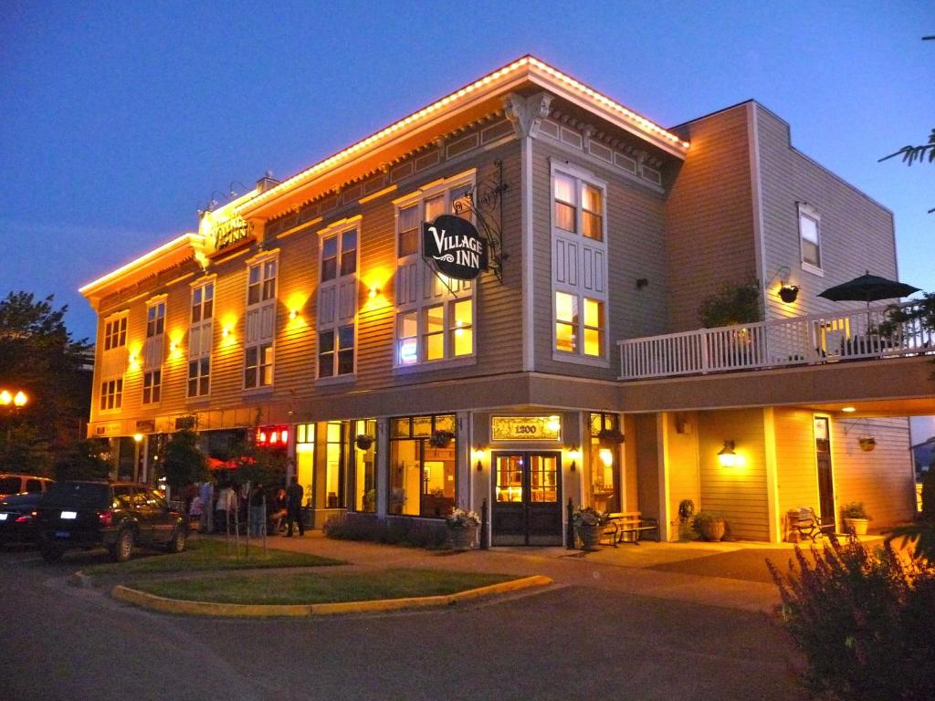 The Fairhaven Village Inn, one of the hotels near Fairhaven Station in Bellingham, WA.