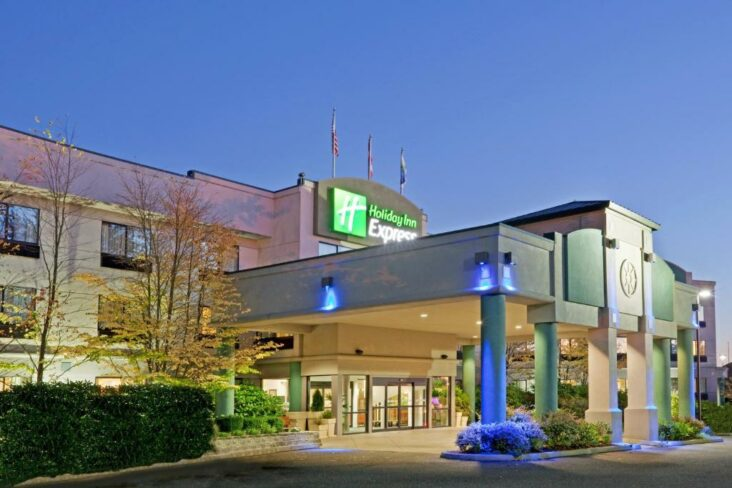 The Holiday Inn Express Bellingham, one of numerous hotels in Bellingham, WA.