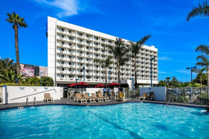 The Motel 6 - Los Angeles - LAX, one of numerous hotels in Inglewood, CA.