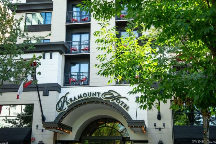 The Paramount Hotel Portland, one of numerous hotels in Portland, Oregon.