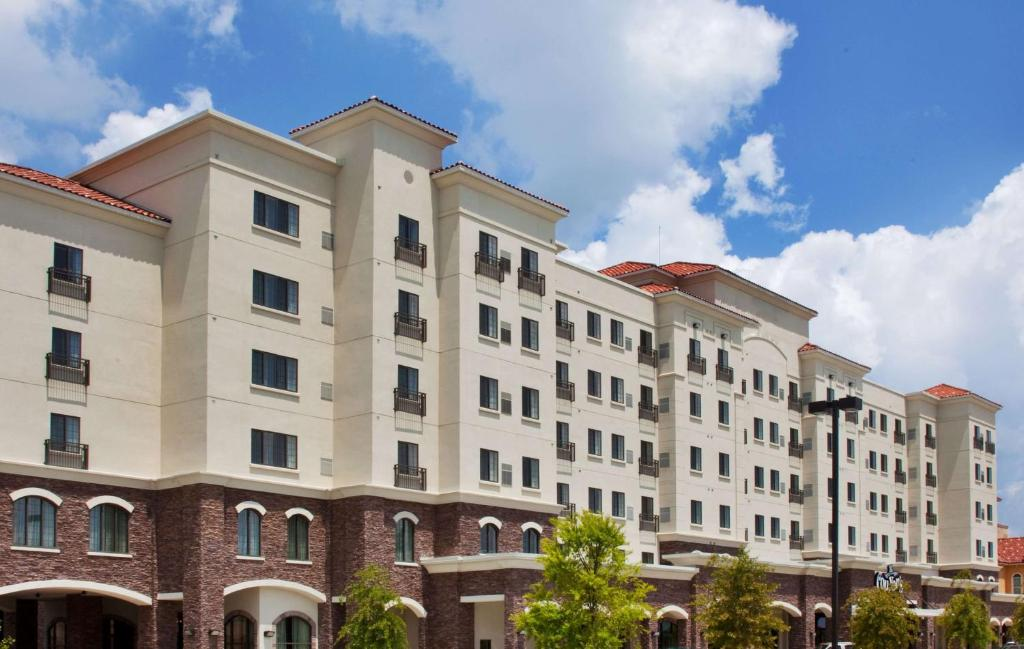 The Sonesta ES Suites Baton Rouge, one of the hotels near LSU.