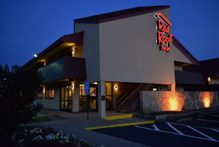 The Red Roof Inn Binghamton - Johnson City, one of the hotels near Greater Binghamton Airport in New York State.