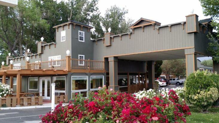 The Vagabond Inn Bishop, ome of the hotels near Eastern Sierra Airport in Bishop, CA.